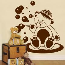 Decorate walls bear child