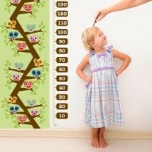 Child gauge vinyl owls in the tree
